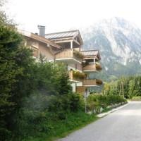 Haus Barbara im Sommer, mit Blick auf die Leoganger Steinberge